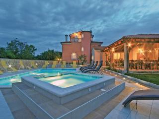 Villa in Pula-Sisan, Pula, Croatia - Liznjan vacation rentals