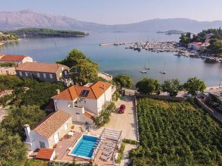 4 bedroom Villa in Korcula-Lumbarda, Island Of Korcula, Croatia : ref 2219645 - Lumbarda vacation rentals