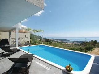 7 bedroom Apartment in Makarska, Croatia : ref 2219765 - Bratus vacation rentals