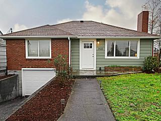 Charming Home Central Location - Tacoma vacation rentals