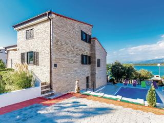 5 bedroom Villa in Krk-Klimno, Island Of Krk, Croatia : ref 2219881 - Klimno vacation rentals