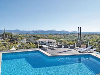 4 bedroom Villa in Frejus, Var, France : ref 2220895 - frejus vacation rentals