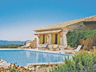 3 bedroom Villa in Venasque, Vaucluse, France : ref 2221334 - Venasque vacation rentals