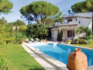 3 bedroom Villa in Mougins, Alpes Maritimes, France : ref 2221549 - Mouans-Sartoux vacation rentals