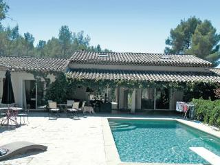 6 bedroom Villa in Aix-En-Provence, Bouches Du Rhone, France : ref 2221910 - Aix-en-Provence vacation rentals