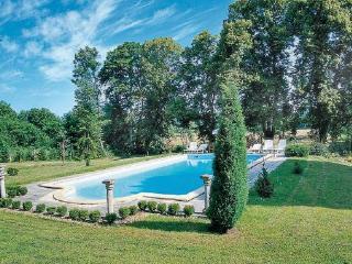 10 bedroom Villa in St Medard de Mussidan, Dordogne, France : ref 2221979 - Saint-Medard-de-Mussidan vacation rentals