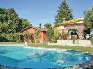 8 bedroom Villa in Morlupo, Latium Countryside, Italy : ref 2222629 - Morlupo vacation rentals