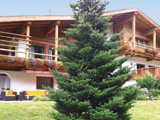 5 bedroom Villa in Luxus-Chalet/Kitzbuhel, Tirol, Austria : ref 2224923 - Aurach bei Kitzbuehel vacation rentals