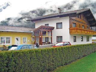 8 bedroom Apartment in Holzgau/Lechtal, Tirol, Austria : ref 2224957 - Holzgau vacation rentals
