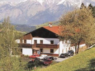 10 bedroom Villa in Matrei/Wipptal, Tirol, Austria : ref 2225119 - Matrei am Brenner vacation rentals