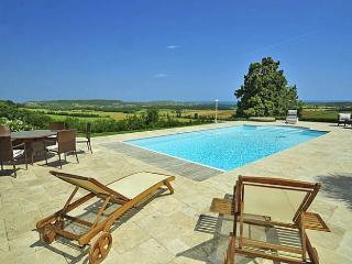 5 bedroom Villa in Penne D Agenais, Lot-et-Garonne, South West France, France : ref 2226424 - Penne d'Agenais vacation rentals