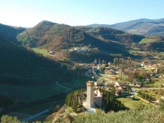 4 bedroom Villa in Near Foligno, Perugia, Umbria, Italy : ref 2226459 - Capodacqua vacation rentals