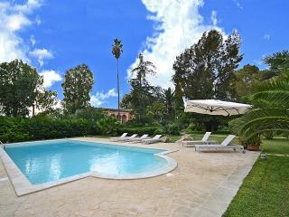 5 bedroom Villa in San Cesario Di Lecce, Puglia, Italy : ref 2226505 - San Cesario di Lecce vacation rentals
