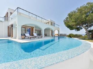 6 bedroom Villa in Santa Eulalia Des Riu, Ibiza : ref 2226537 - Cala Lenya vacation rentals