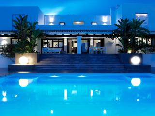 6 bedroom Villa in Ibiza Town Area, Ibiza : ref 2226547 - Es Vive vacation rentals