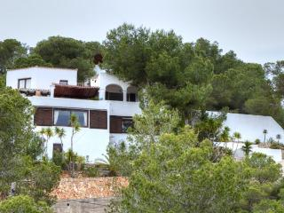 Gorgeous 4 bedroom Villa in Roca Llisa - Roca Llisa vacation rentals