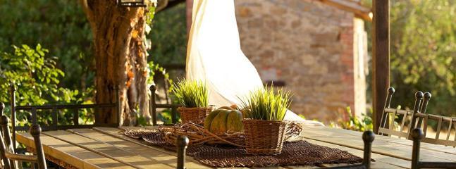 6 bedroom Villa in Agello, Lago Trasimeno, Umbria, Italy : ref 2230281 - Image 1 - Agello - rentals