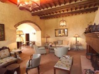 7 bedroom Villa in Marciano, Firenze Area, Tuscany, Italy : ref 2230287 - Marciano Della Chiana vacation rentals