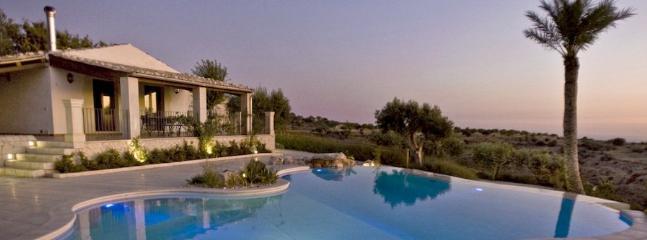 6 bedroom Villa in Scicli, Ragusa Area, Sicily, Italy : ref 2230345 - Image 1 - Scicli - rentals