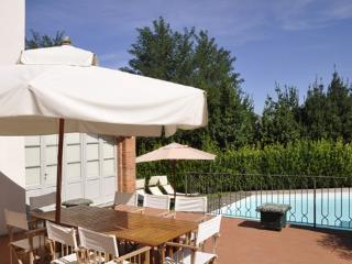 9 bedroom Villa in Crespina, Pisa Area, Tuscany, Italy : ref 2230456 - Crespina vacation rentals
