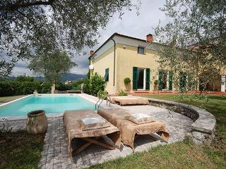 3 bedroom Villa in Bolano, Riviera Di Levante, Liguria And Cinqueterre, Italy : ref 2230527 - Bolano vacation rentals