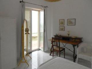 6 bedroom Villa in Forio, Ischia, Amalfi Coast, Italy : ref 2230533 - Forio vacation rentals