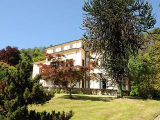 8 bedroom Villa in Meina, Lago Maggiore, Piedmont And Lake Maggiore, Italy : ref 2230587 - Meina vacation rentals