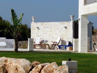 6 bedroom Villa in Santa Croce Camerina, Ragusa Area, Sicily, Italy : ref 2230594 - Santa Croce Camerina vacation rentals