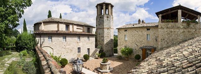 7 bedroom Villa in Solfagnano, Campagna Umbra, Umbria, Italy : ref 2230620 - Image 1 - Solfagnano - rentals