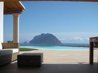 5 bedroom Villa in Loiri Porto San Paolo, Sardegna, Sardinia, Italy : ref 2230621 - Loiri Porto San Paolo vacation rentals
