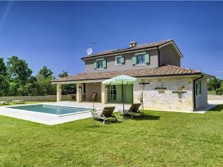 4 bedroom Villa in Jursici, Istria, Croatia : ref 2233098 - Jursici vacation rentals