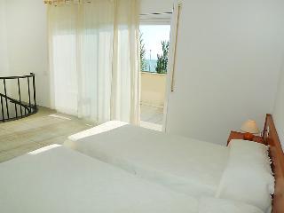 4 bedroom Villa in L'Ampolla, Costa Daurada, Spain : ref 2055790 - L'Ampolla vacation rentals