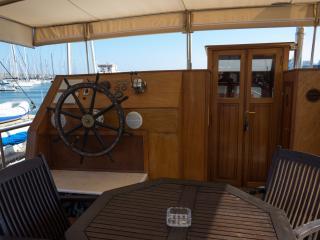 Bed & Boat sul Pascha a Marzamemi/Cabina Dracut - Marzamemi vacation rentals