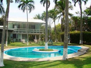 Nice Villa with Microwave and Balcony - Puntarenas vacation rentals