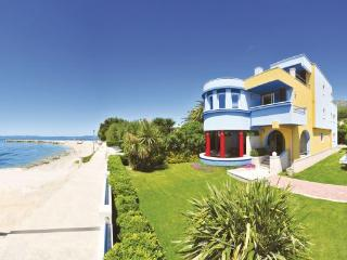 4 bedroom Villa in Split-Podstrana, Split, Croatia : ref 2238800 - Podstrana vacation rentals