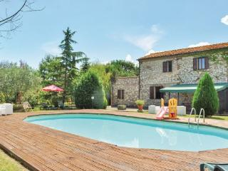 9 bedroom Villa in Castiglion del Lago, Lake Trasimeno, Italy : ref 2239492 - Piana vacation rentals