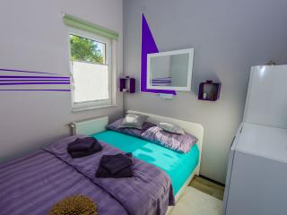 apartment Jet Airport, klimatiziran, WiFi, parking - Velika Gorica vacation rentals