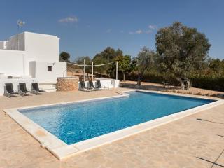 5 bedroom Villa in Santa Gertrudis, Ibiza : ref 2239980 - Santa Gertrudis vacation rentals