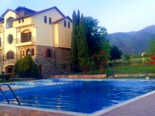 Nice 8 bedroom House in Leptokaria with A/C - Leptokaria vacation rentals