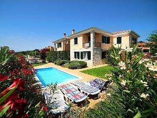 4 bedroom Villa in Novigrad (Istra), Istria, Croatia : ref 2242867 - Novigrad vacation rentals