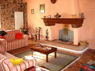 4 bedroom Villa in Castelnuovo di Garfagnana, Lucca Pisa, Italy : ref 2057836 - Camporgiano vacation rentals