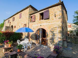 Romantic 1 bedroom Bucine Farmhouse Barn with Television - Bucine vacation rentals