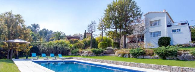 4 bedroom Villa in Near Cannes, Near Cannes, France : ref 2244594 - Image 1 - Golfe-Juan Vallauris - rentals