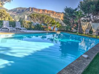 5 bedroom Villa in Cassis, Cassis, France : ref 2244667 - Cassis vacation rentals