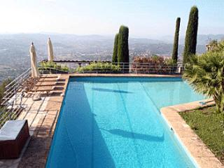 4 bedroom Villa in Grasse, Grasse, France : ref 2244690 - Chateauneuf de Grasse vacation rentals