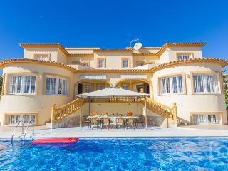 8 bedroom Villa in Calpe, Costa Blanca, Spain : ref 2246581 - Calpe vacation rentals