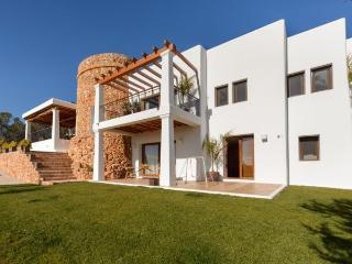 5 bedroom Villa in Sant Carles De Peralta, Santa Eulalia Del Rio, Baleares, Ibiza : ref 2247480 - Sant Joan de Labritja vacation rentals