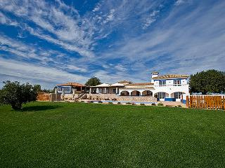 7 bedroom Villa in Boliqueime, Algarve, Portugal : ref 2249184 - Cerca Velha vacation rentals