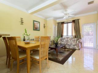 Tiny Sapphire - Townhouse Of Bliss - Nassau vacation rentals