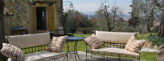 1 bedroom Apartment in Settignano, Florence, Italy : ref 2258980 - Image 1 - Settignano - rentals